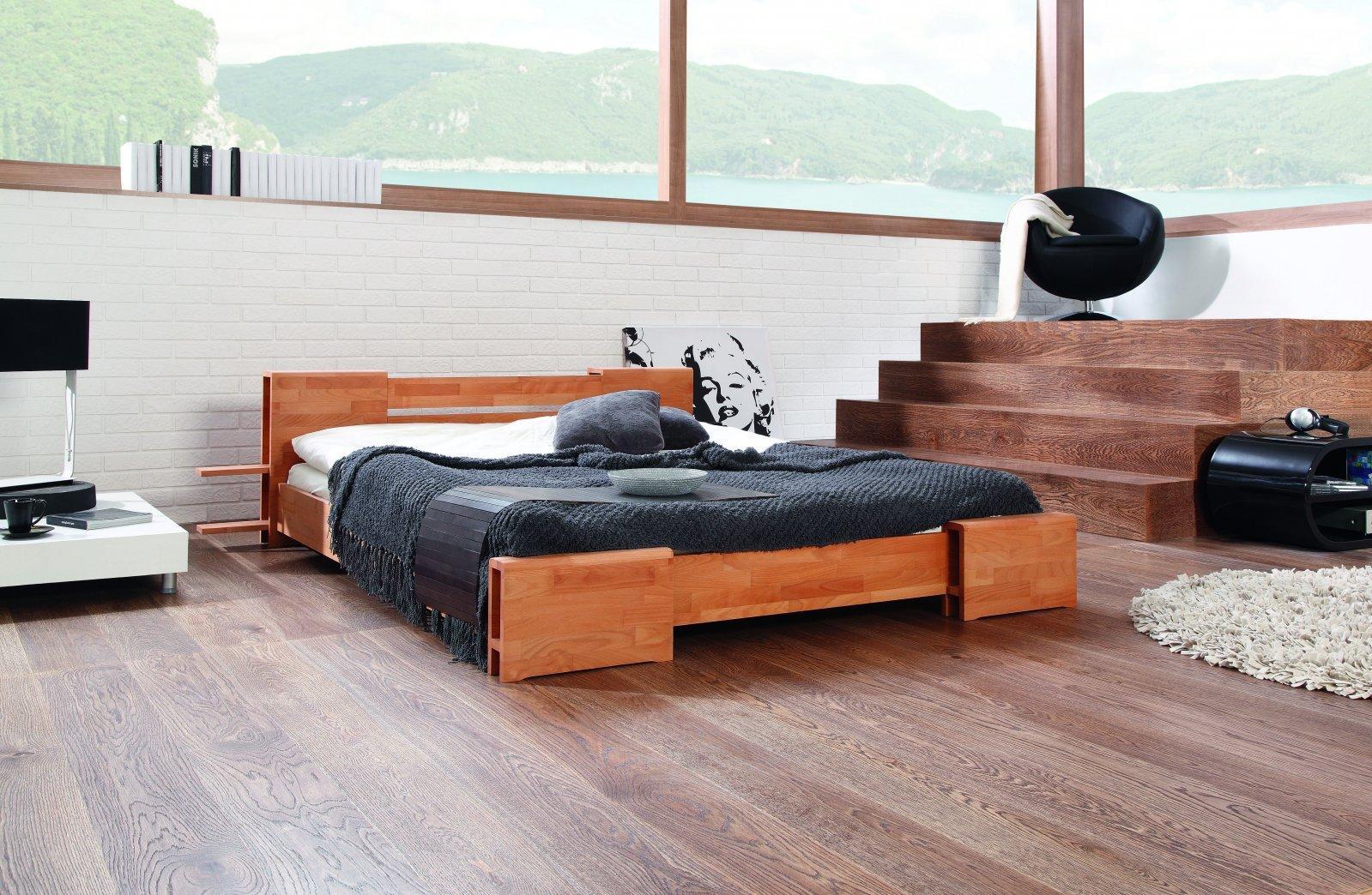 Łóżko TI niskie z litego drewna