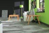 Stolik IRDE z litego drewna
