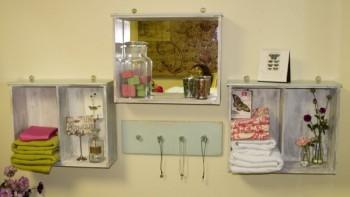 Łazienka z szufladami w formie samodzielnych szafek na ręczniki