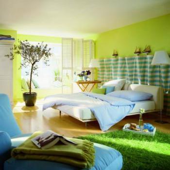 Sypialnia w kolorach zieleni i błękitu