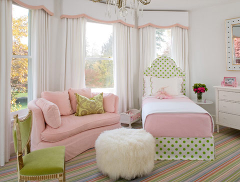 Sypialnia inspirowana cukierkowymi kolorami
