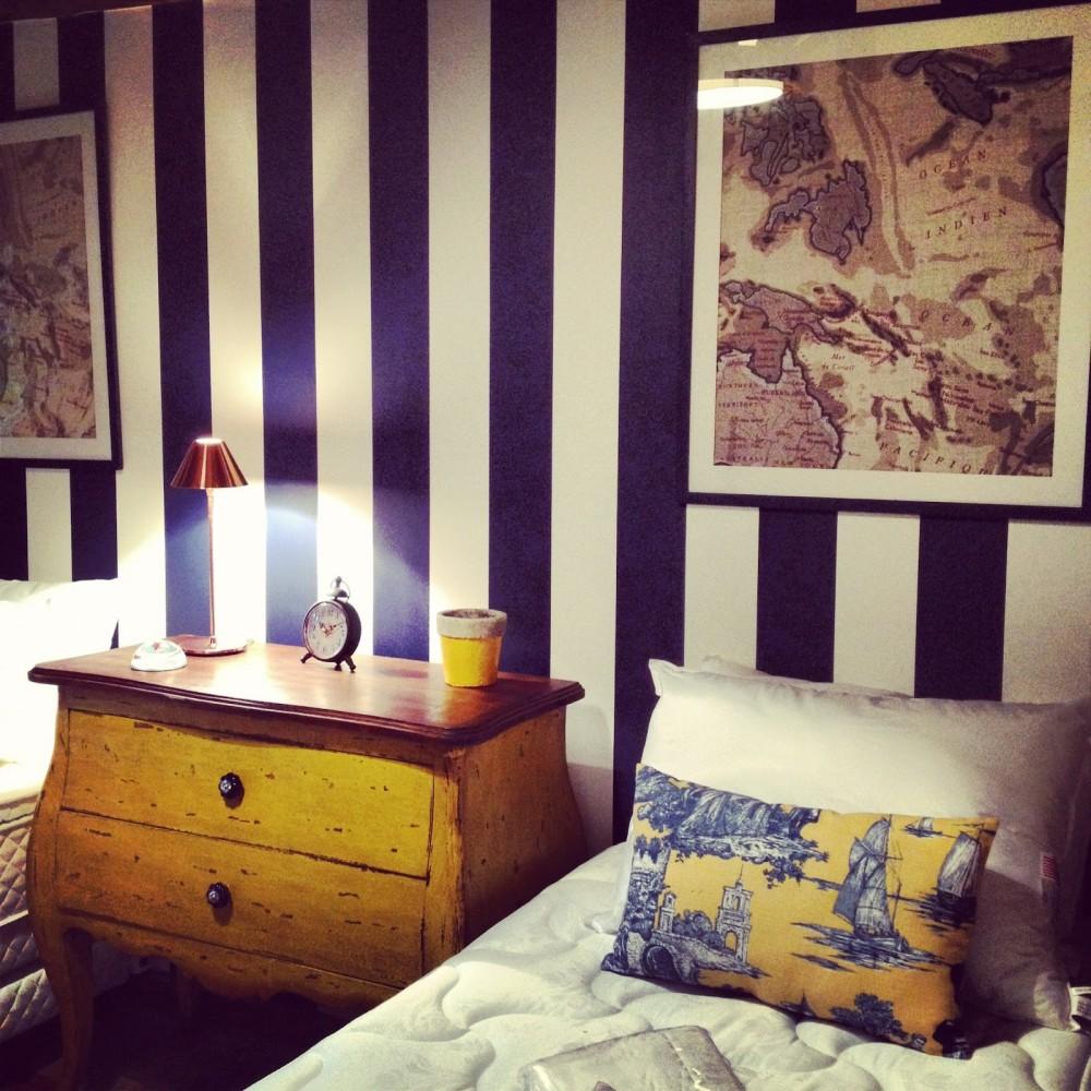 Elegancka wersja stylu marynarskiego w sypialni