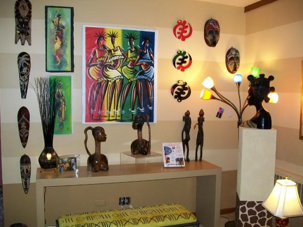Obrazy, wazony i figurki inspirowane Afryką