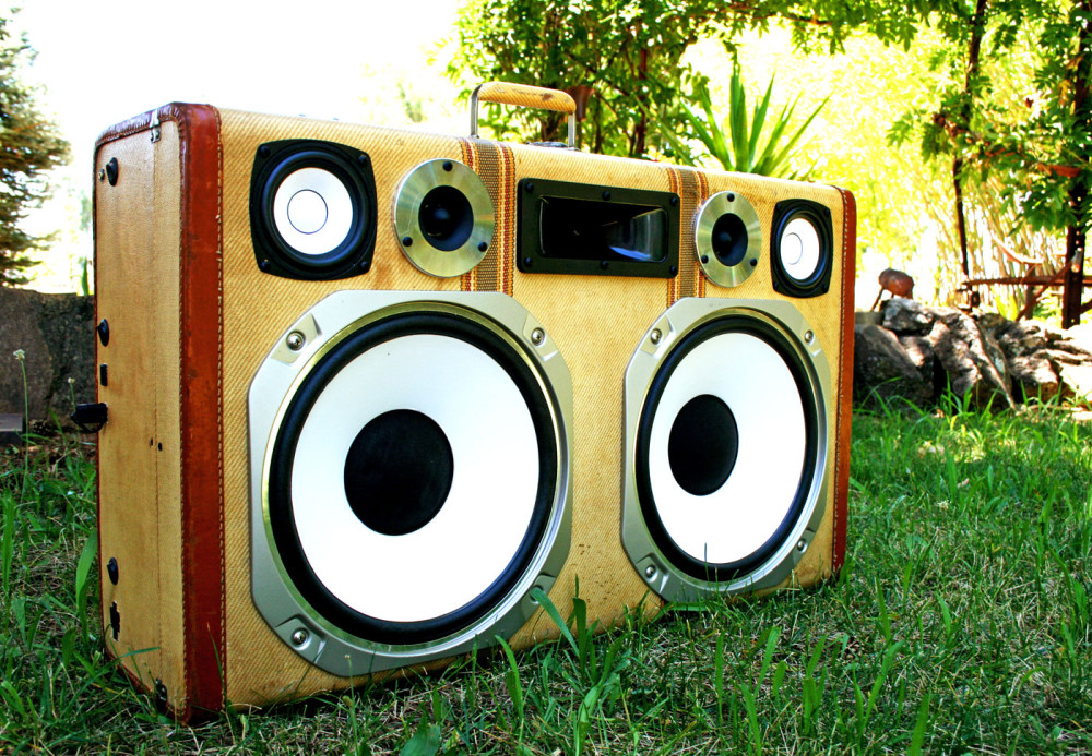 Upcycled-Vintage-Suitcase-Boombox
