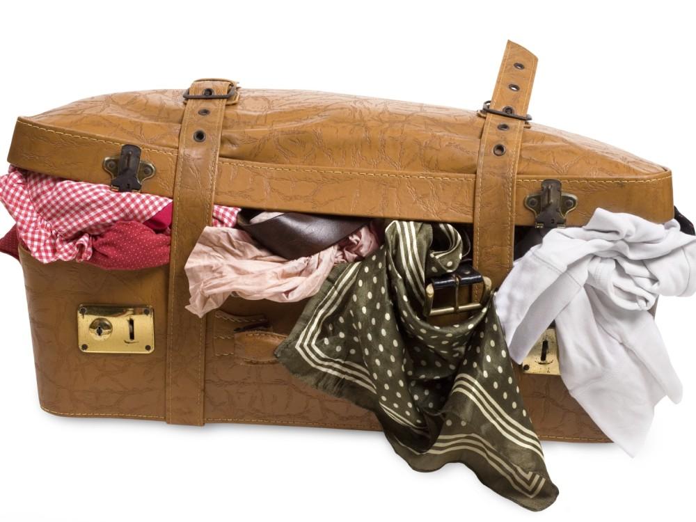 Już po wakacyjnym urlopie? Zobacz ciekawe pomysły na zużyte walizki!