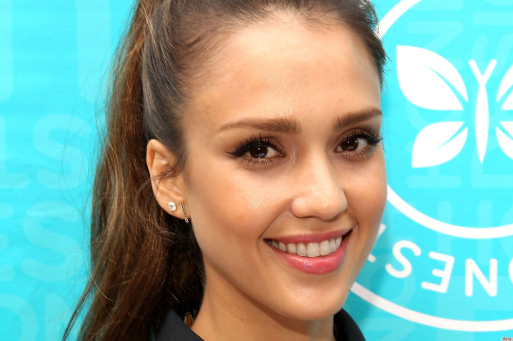 "Jessica Alba Signs Copies Of ""The Honest Life: Living Naturally And True To You"""