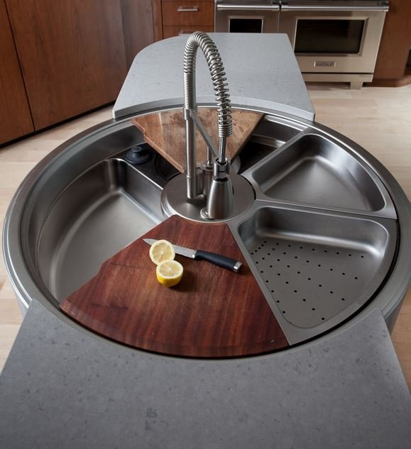 Wielofunkcyjny zlew stalowy z komorą, odsączarką do naczyń, odsączarką do owoców, i deską do krojenia