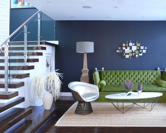 Granatowe podłogi i ściany