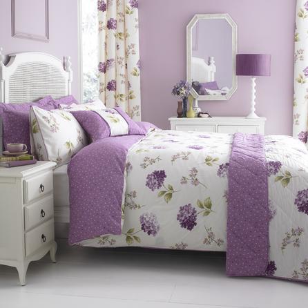 Sypialnia w kolorze wrzosowym