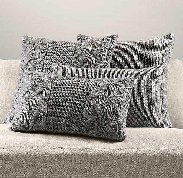 Szare poszewki na poduszki dekoracyjne, wykonane na drutach