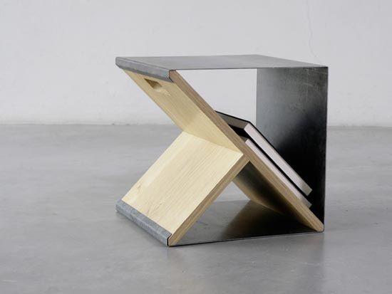 Krzesło będące jednocześnie stolikiem i schowkiem