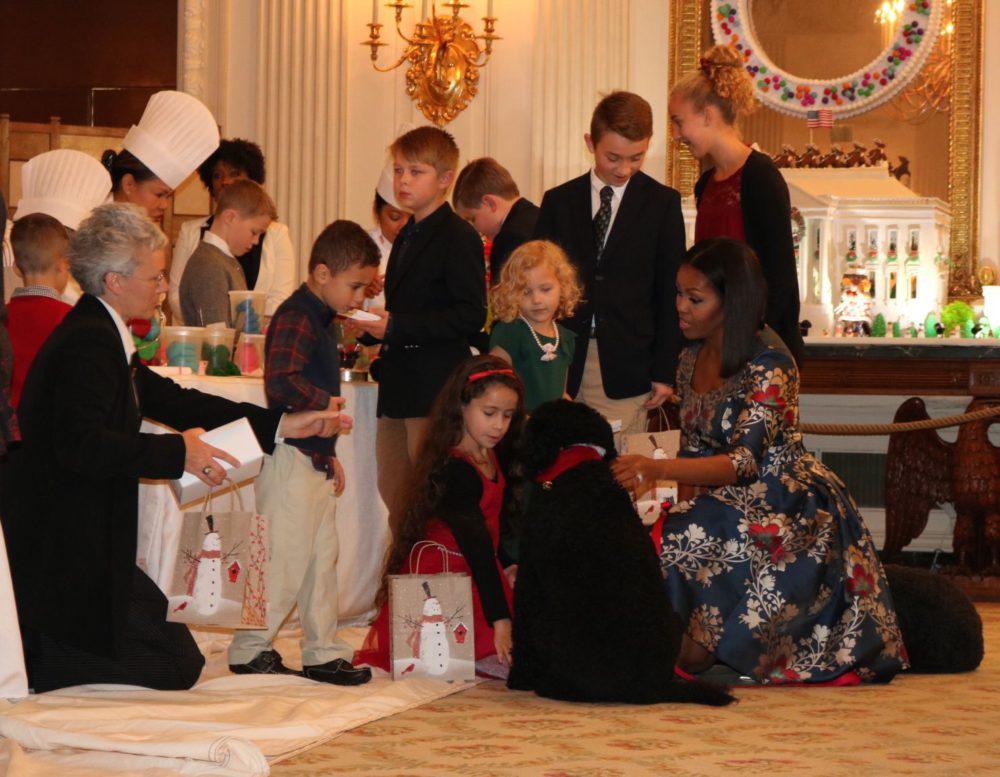 Świąteczne dekoracje - zobacz, jak Michelle Obama przygotowała Biały Dom