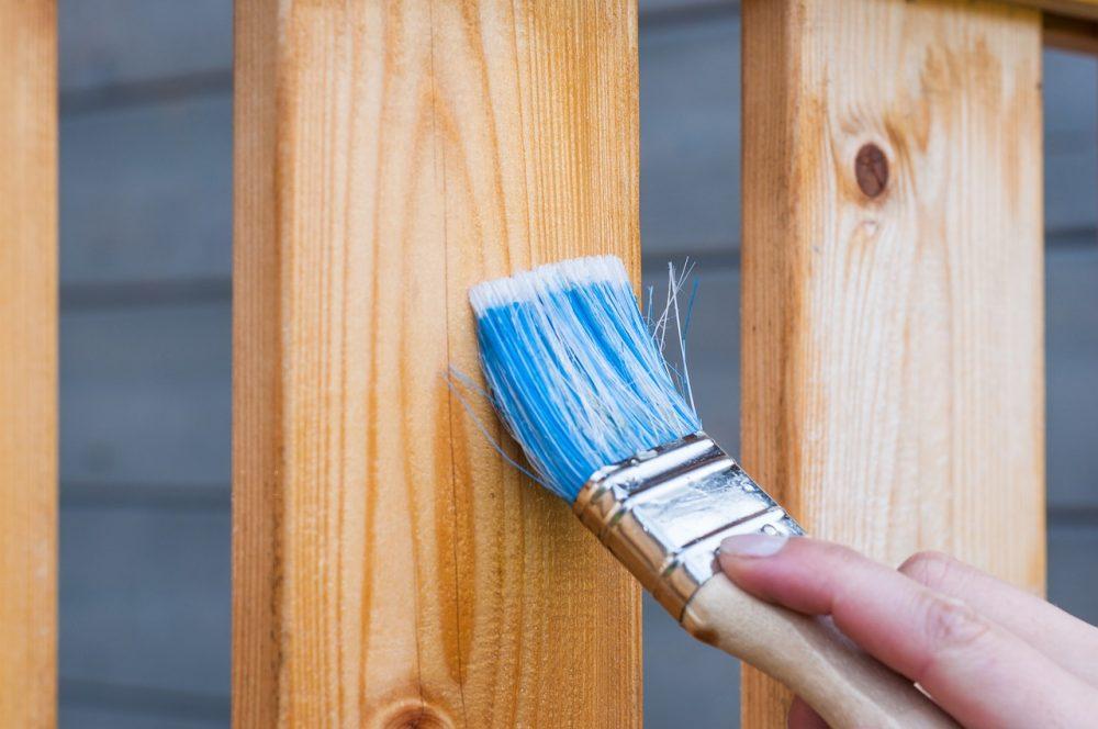 Malowanie drewna pędzlem