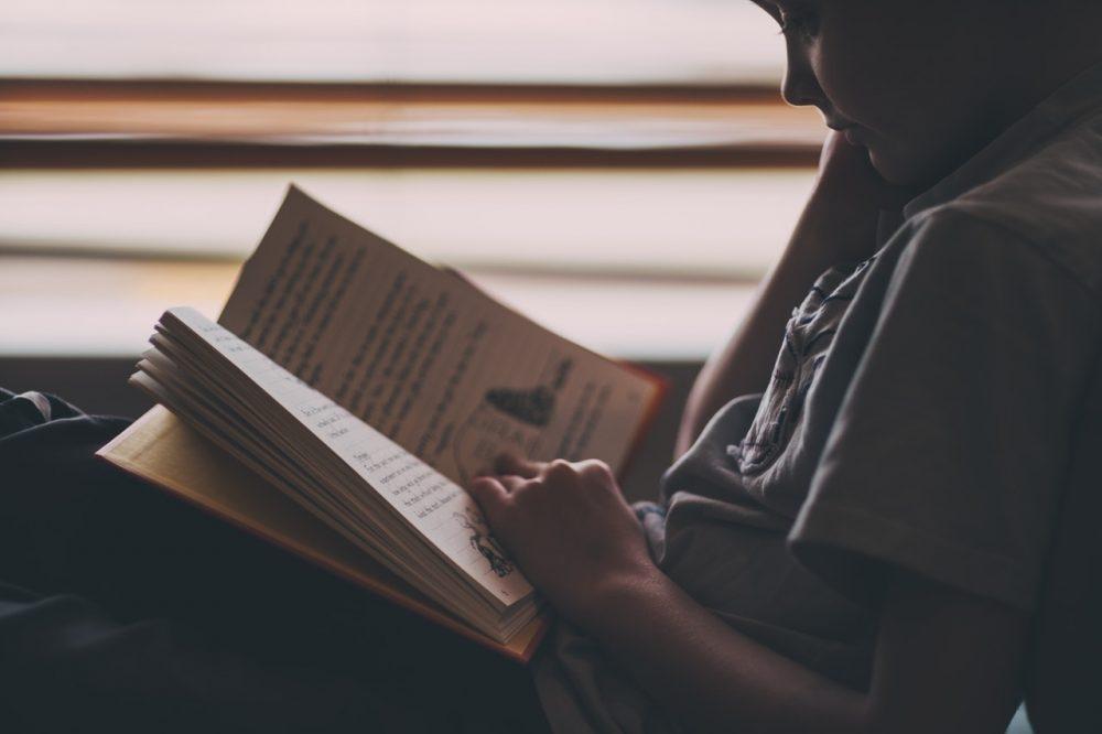 Jak urządzić kącik do czytania?