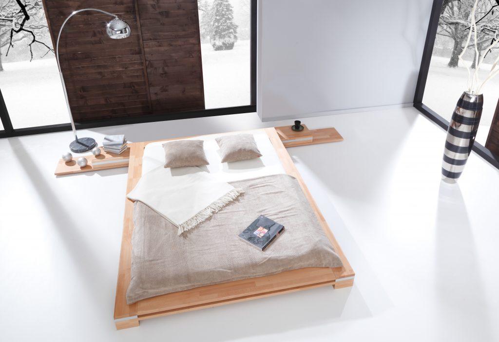 Minimalistyczne łóżko z drewna