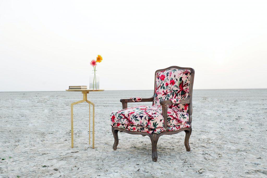 Meble tapicerowane fotel renesansowy - tkanina wzorzysta