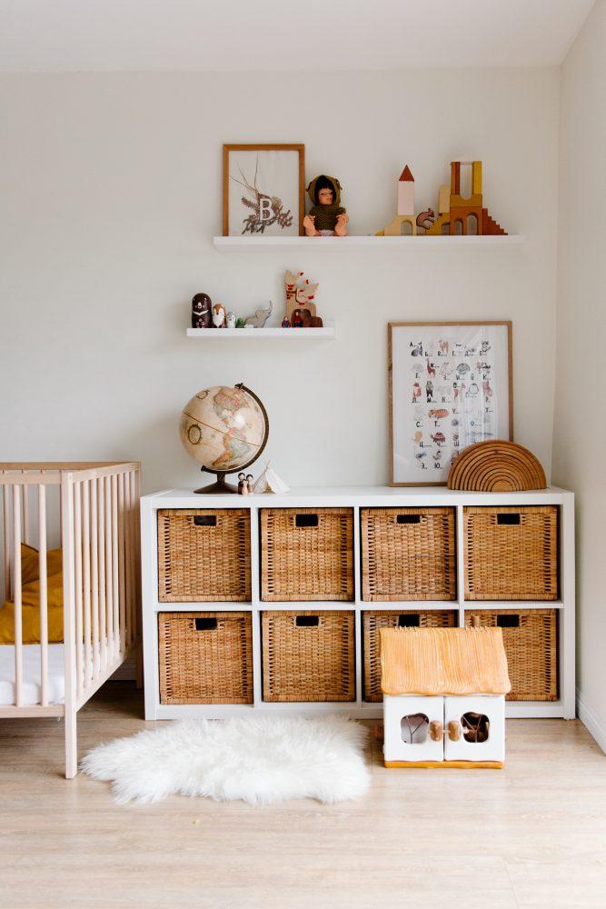 Pomysły na przechowywanie — pudła, skrzynki, kosze i pojemniki z drewna i wikliny