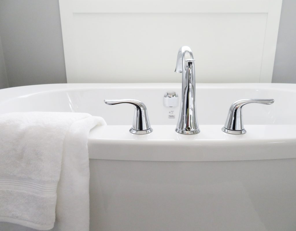 Armatura łazienkowa chromowana