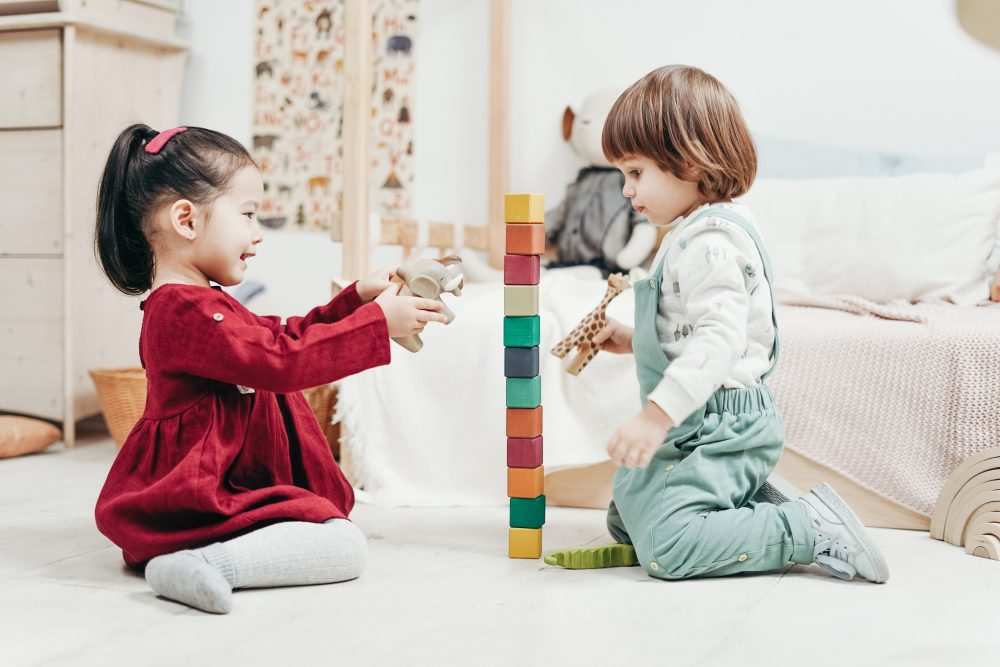 Rozwiń kreatywność Twojego dziecka – zabawki z drewna, czyli ekologiczny i naturalny sposób na zabawę dla Twoich pociech