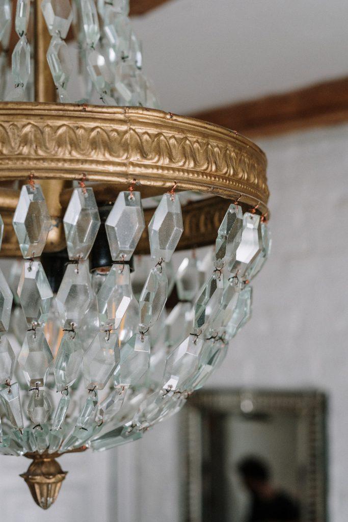 kryształowy żyrandol