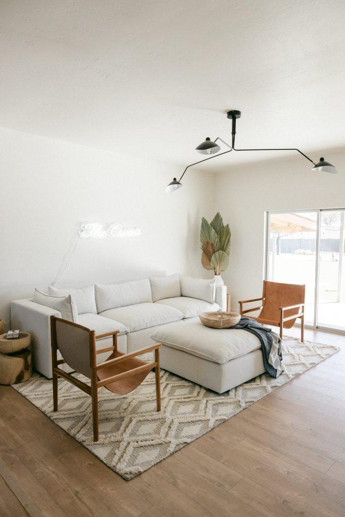 Skandynawskie / minimalistyczne wnętrze - aranżacja salonu