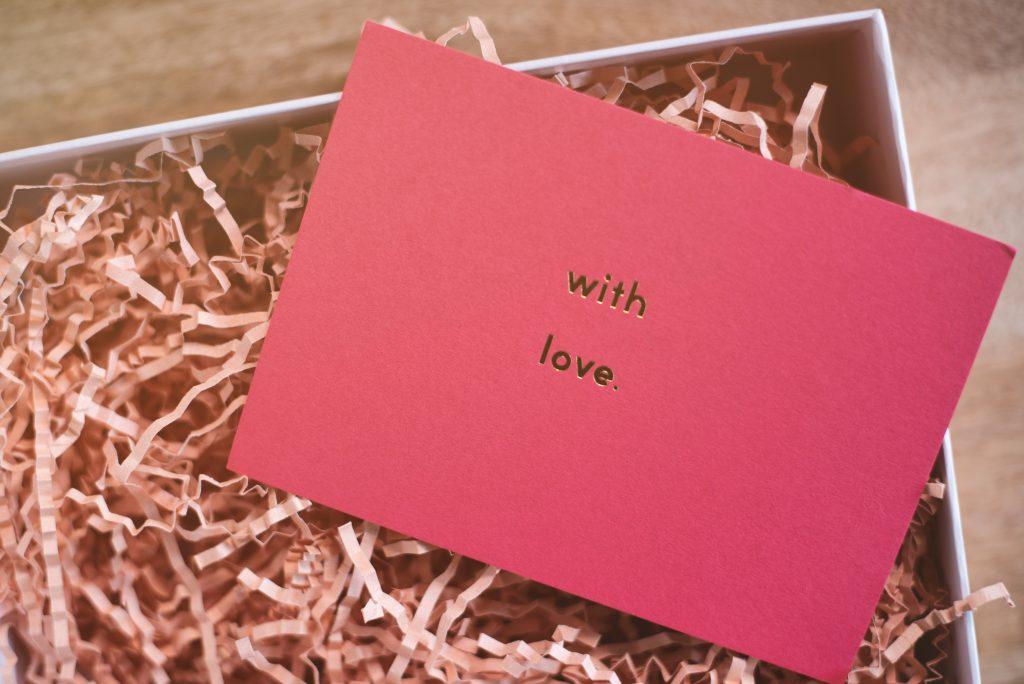 Walentynkowe prezenty - kartka miłosna