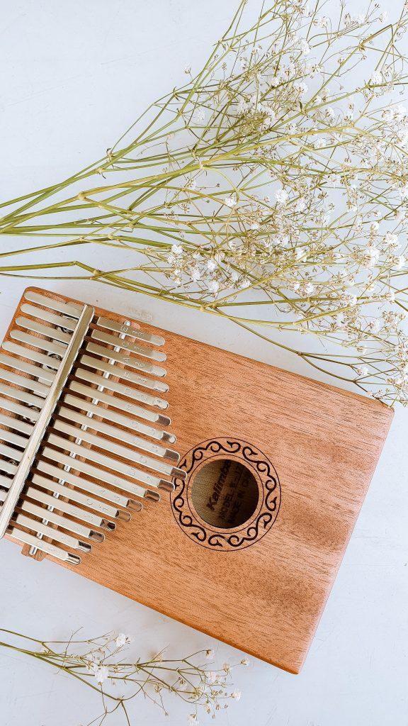 Pomysły na walentynki - kalimba instrumenty z drewna