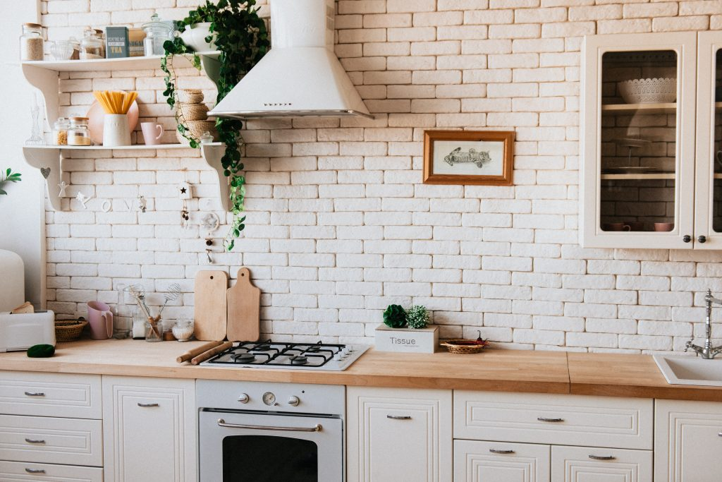 Białe szafki kuchenne