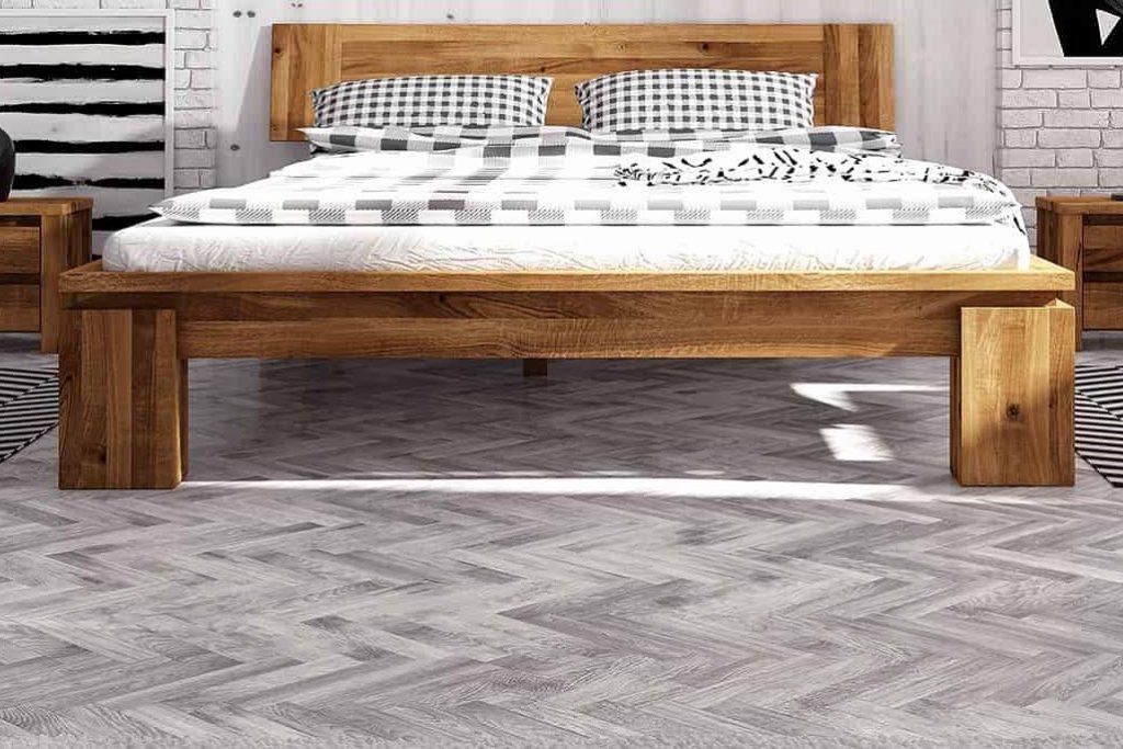 Деревянные полы и деревянные кровати