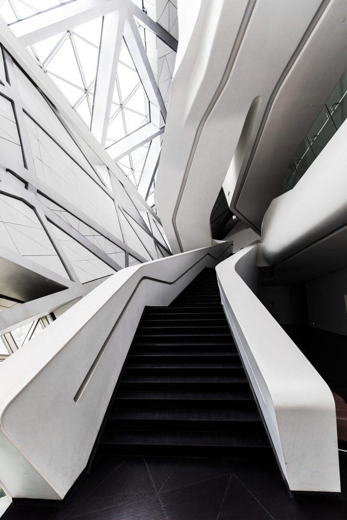 Futurystyczne wnętrze Opery w Kantonie autorstwa Zaha Hadid Architects