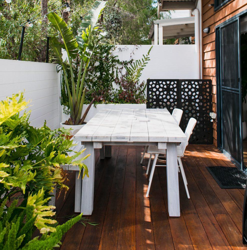 Drewniane meble DIY — ekologiczny, tani i estetyczny sposób na wystrój wnętrza