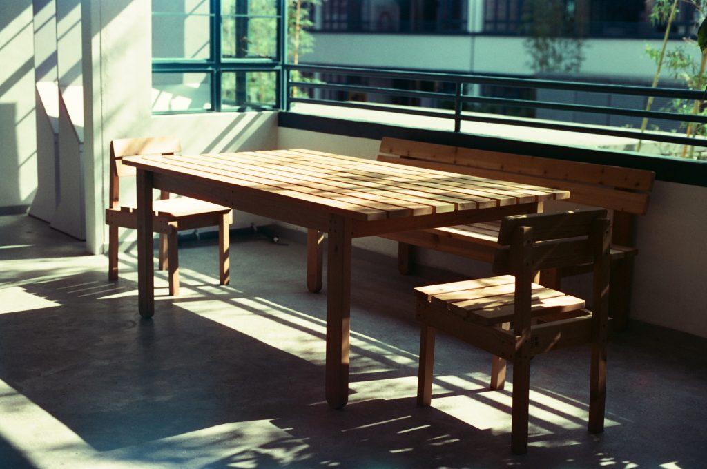 Drewniane meble DIY - stół i krzesła