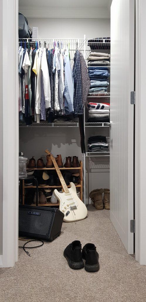 Meble do garderoby - półki i wieszaki