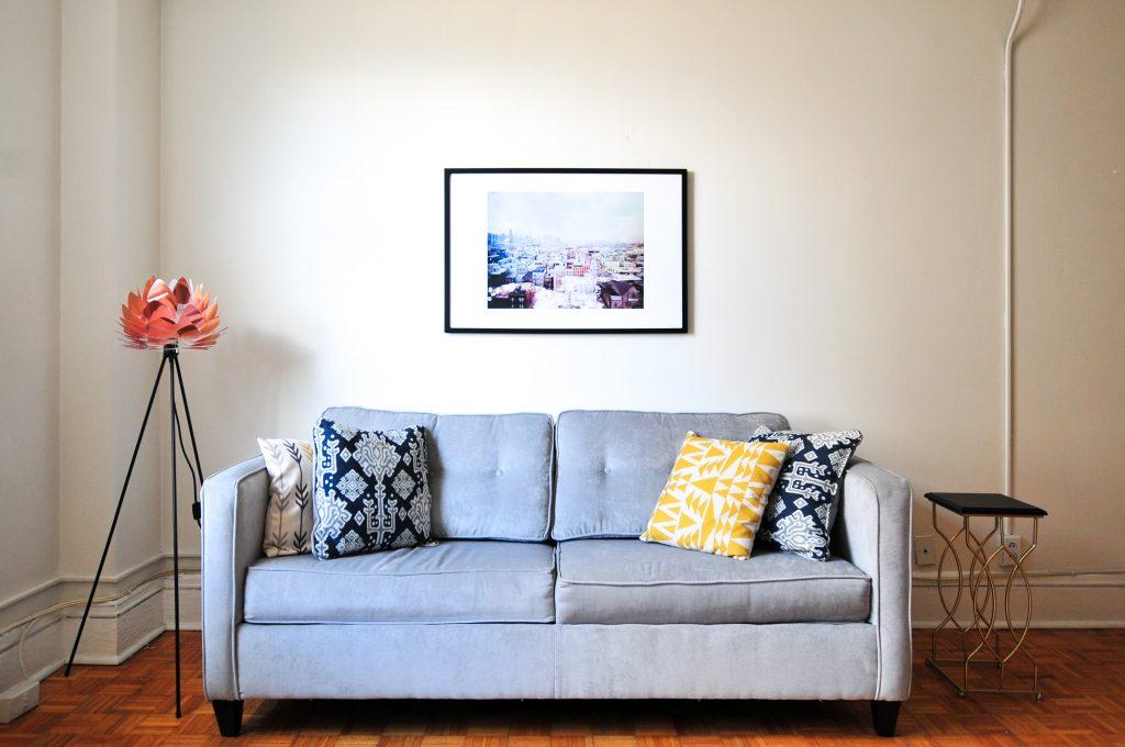 Rozkładana sofa typu amerykanka