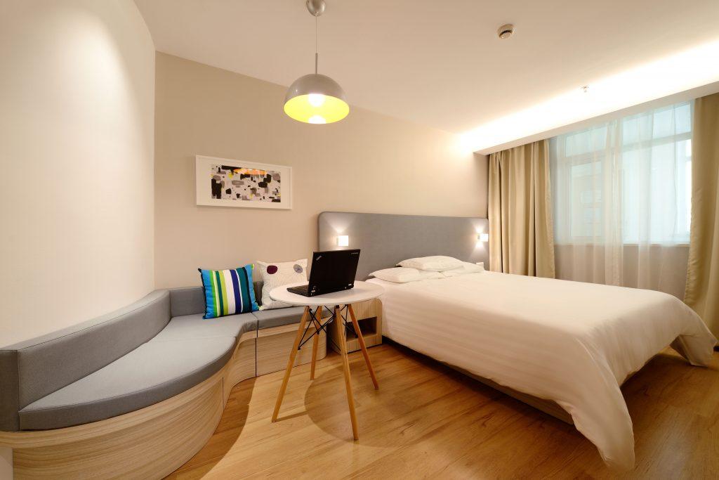 Pokój dla gości - podstawowe meble