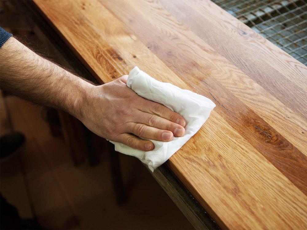 Pielęgnacja mebli drewnianych - kilka skutecznych sposobów