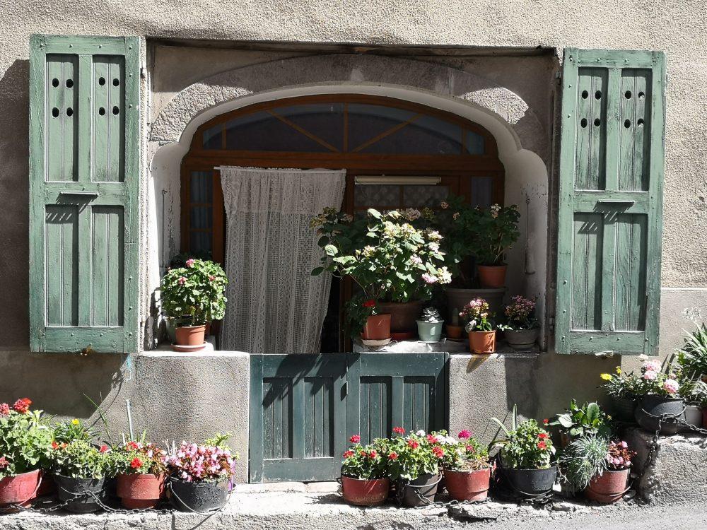 Skrzynie drewniane, czyli ogród w stylu prowansalskim