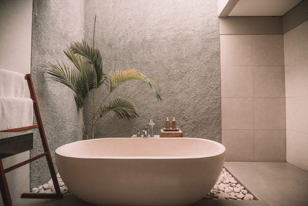 Dekoracyjny tynk w łazience