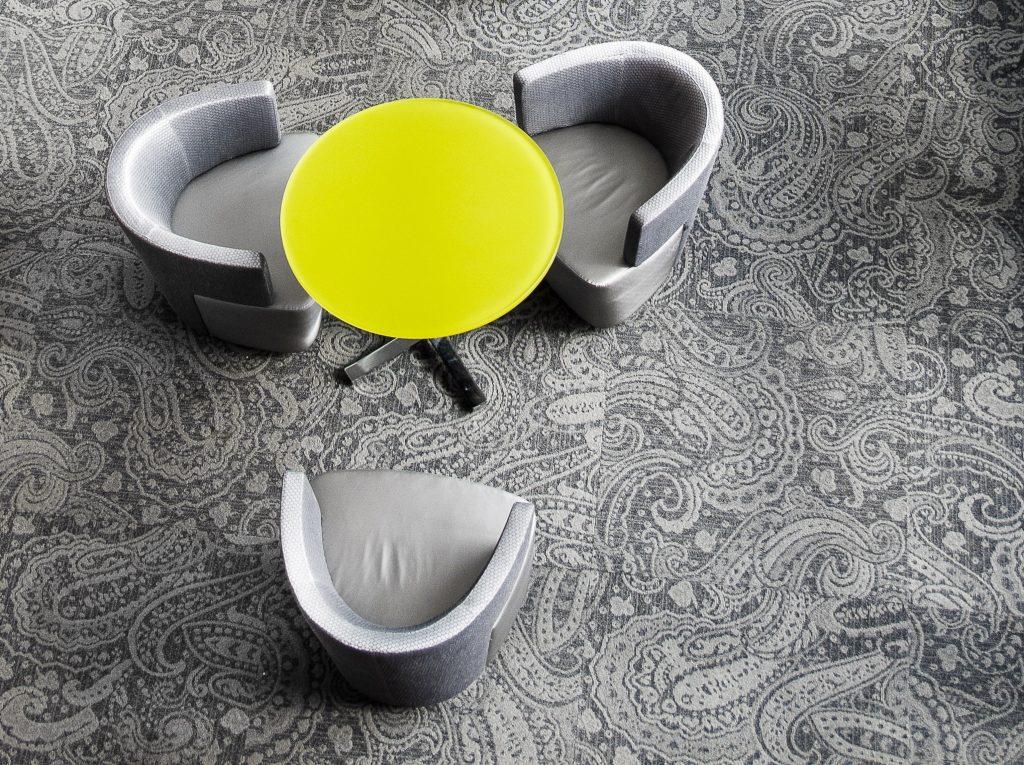 Kolor roku Pantone - ultimate grey i illuminate yellow