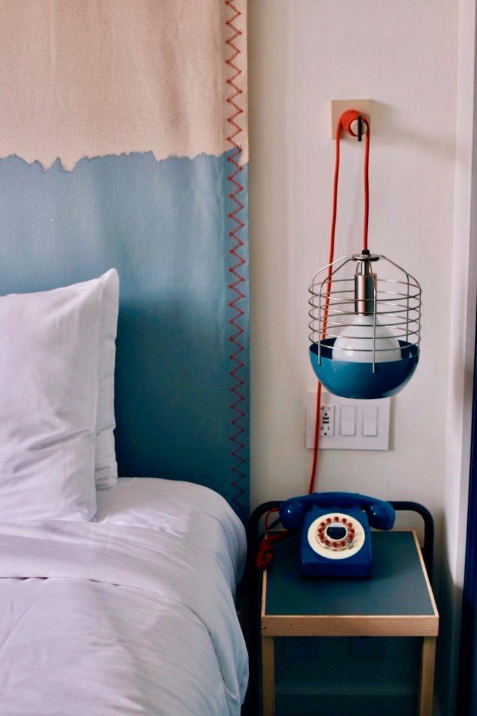 Lampa stworzona z telefonu