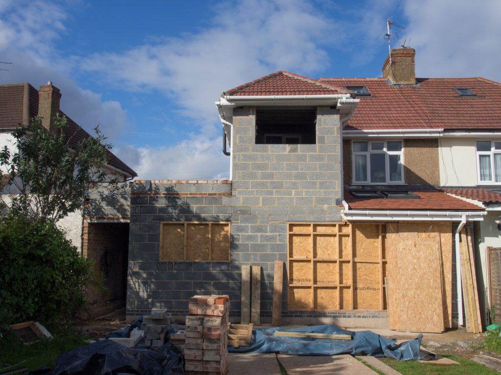 Dom w stanie surowym / budowa domu