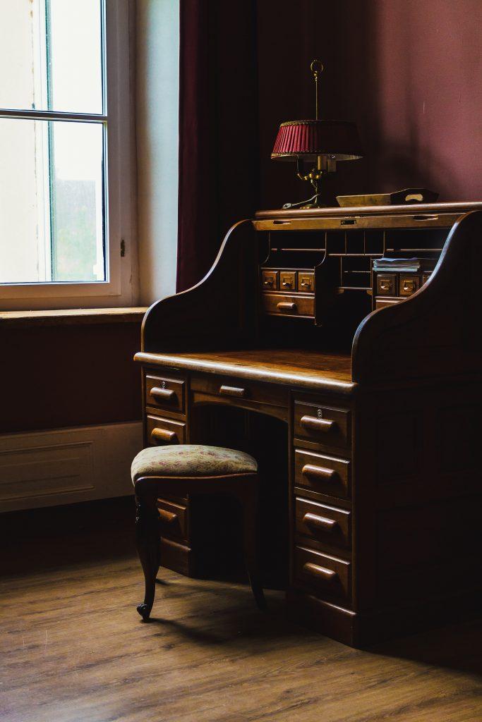 Sekretarzyk / biurko dekoracyjne