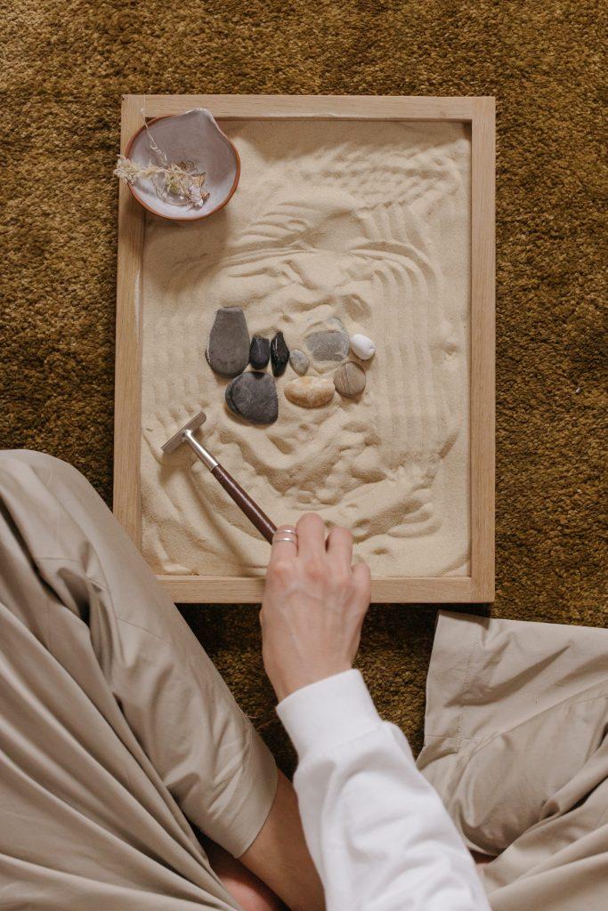 Relaksujące hobby to esencja stylu wabi-sabi