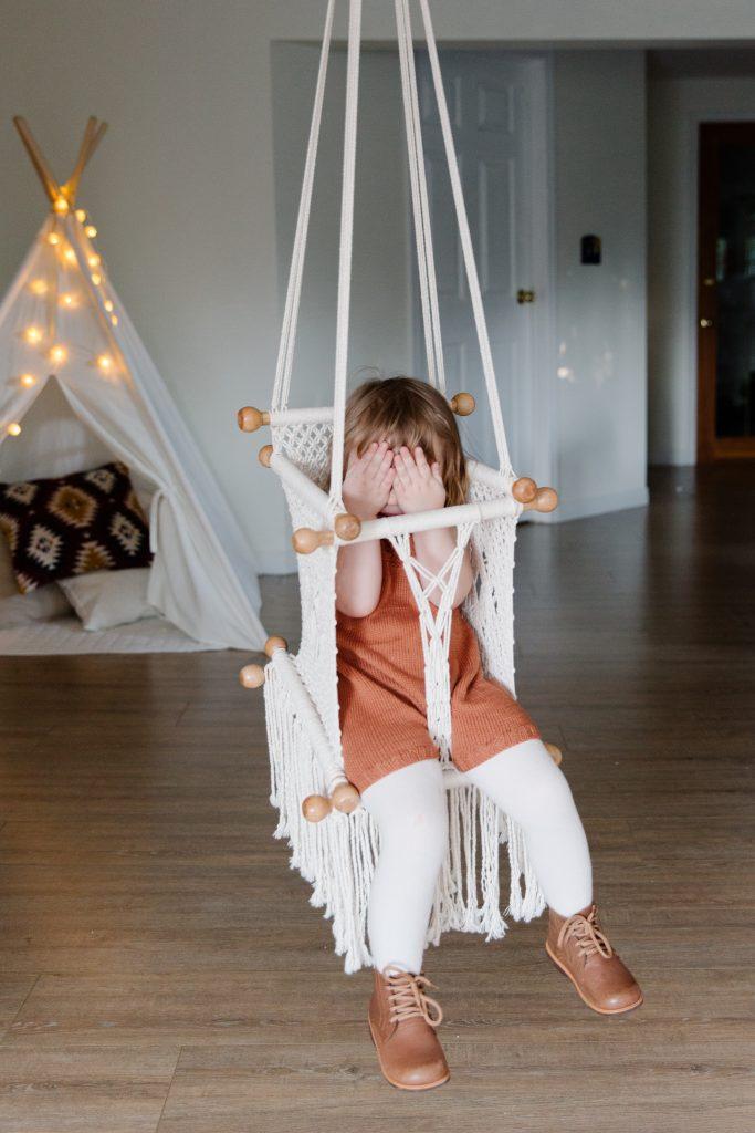 Podwieszany fotelik dla dziecka
