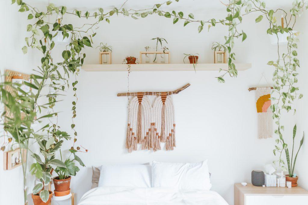 Makramy ścienne w aranżacji sypialni
