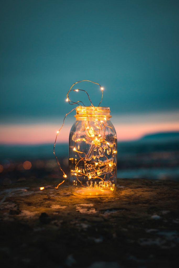Słoik i lampki strunowe