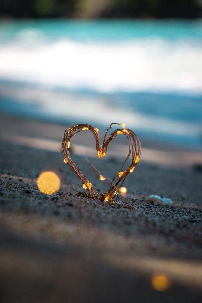 Serce z lampek strunowych fairy lights