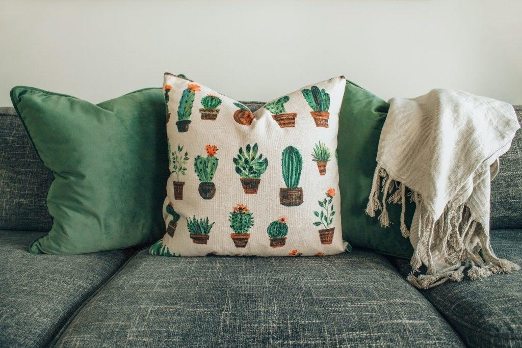 Sofa i poduchy